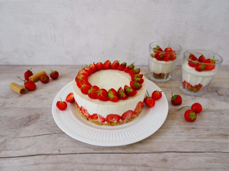 No-Bake Cheesecake mit Erdbeeren und griechischem Joghurt