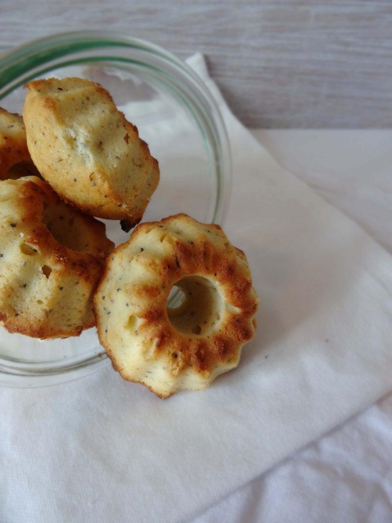 Minigugl mit Mohn Ricotta und Zitrone