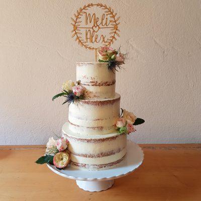 DIY: Dreistöckige Semi-Naked-Cake Hochzeitstorte